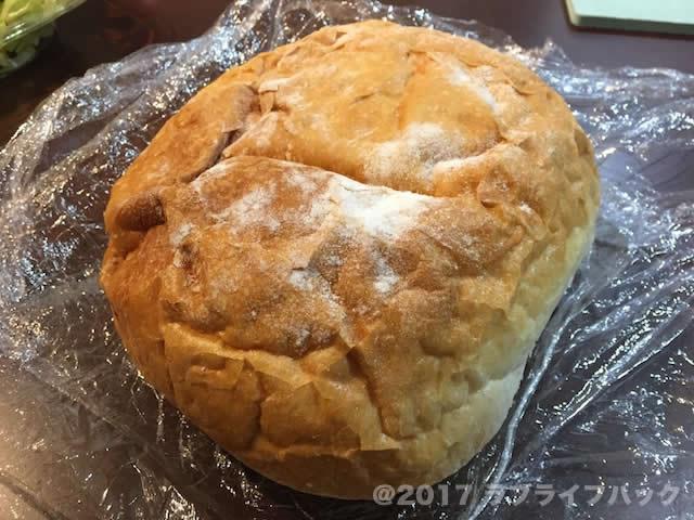 ビストロモズのパン