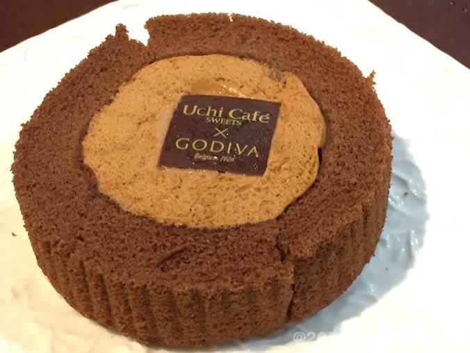 ゴディバ×ローソン キャラメルショコラロールケーキ